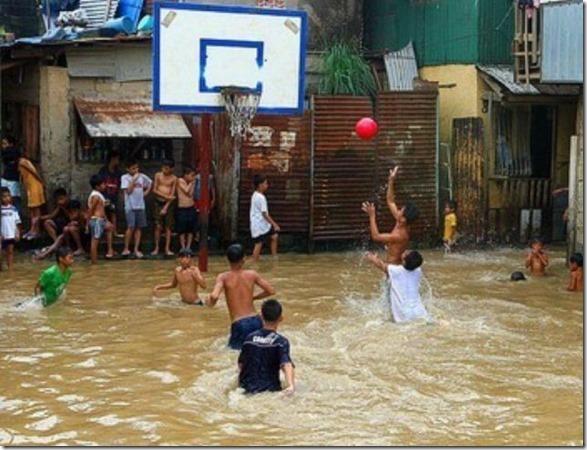 happy-flood-people-5