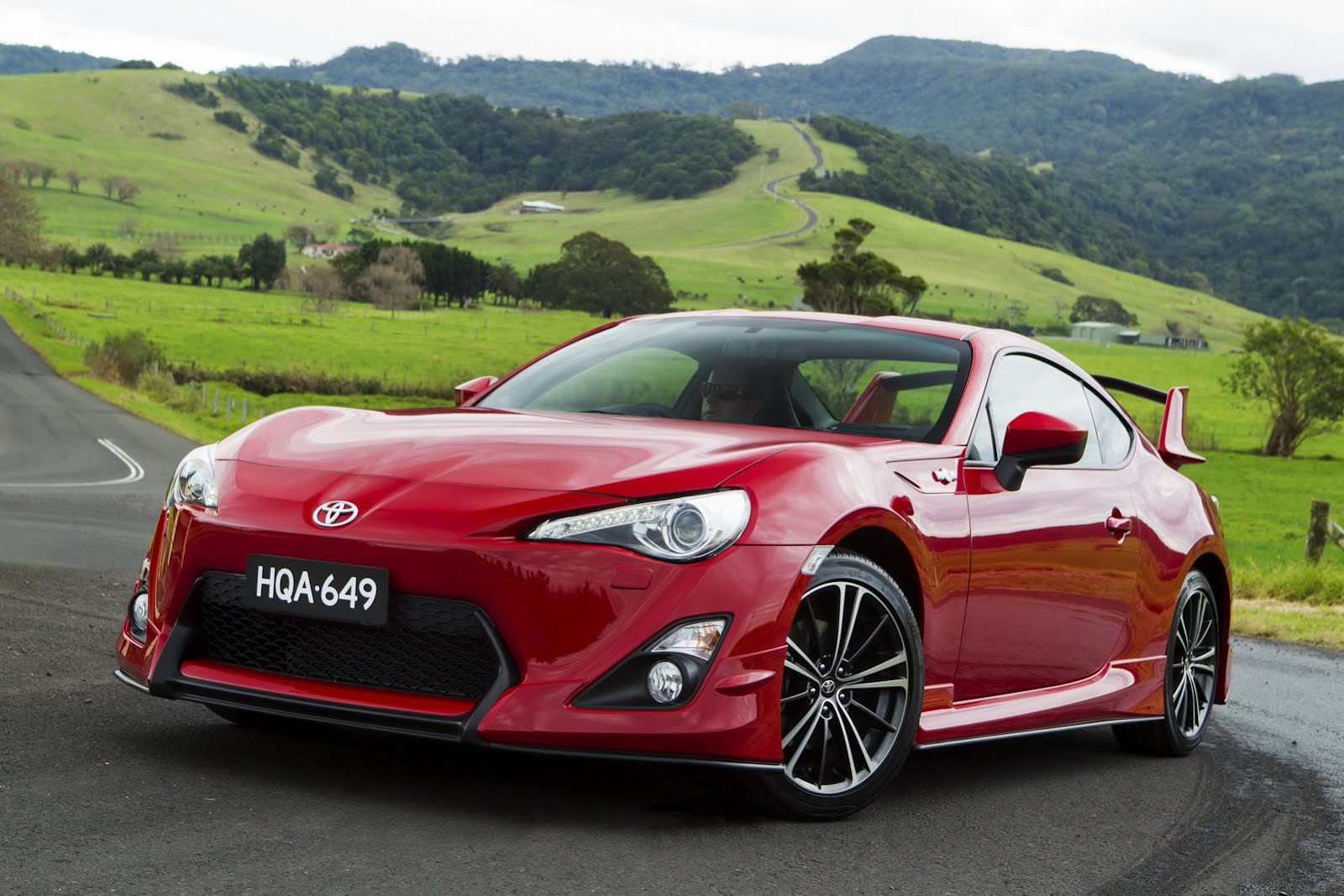 2012-Toyota-GT-86-Aero-Package-2.jpg?imgmax=1800
