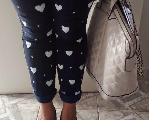 como-customizar-calca-jeans-coracao-poa-5.jpg