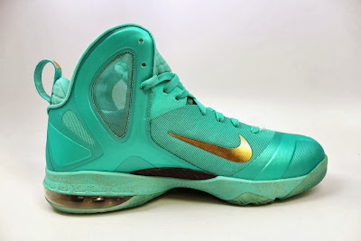 nike lebron 9 ps elite statue of liberty pe 4 08 It Takes $12,900 To Own Two Pairs of Rare LeBron 9 PS Elite PEs