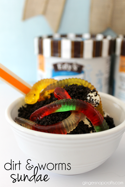 dirt & worm sundae at GingerSnapCrafts.com #kids #sundae #funfoods #ad