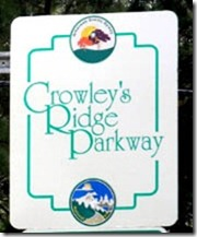 Crowley's Ridge Parkway route marker