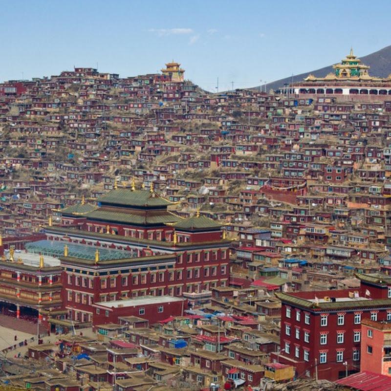 Larung Gar Buddhist Academy in Serthar, Tibet