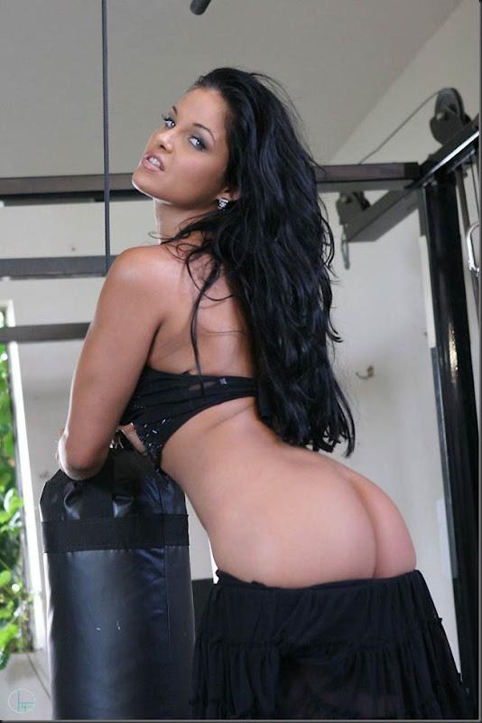 musculo-01--mulher-pelada-nua-buceta-pussy-02012