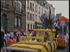 2001.08.19-027 éléphants