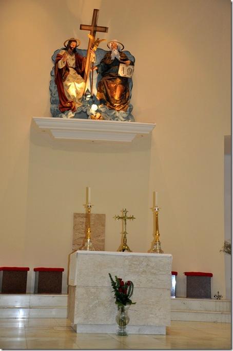 Sol. S. Pedro e S. Paulo - Arranjo beneditino na Paróquia da Santíssima Trindade