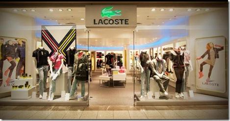 aeab5476bc756 Lacoste em Curitiba realiza venda especial com até 60% OFF.   Maria ...