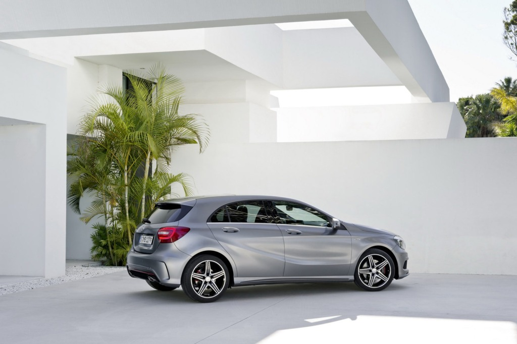 2013-Mercedes-A-Class-8.jpg?imgmax=1800