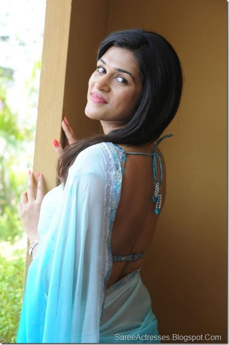 Shraddha Das hot backless saree 3