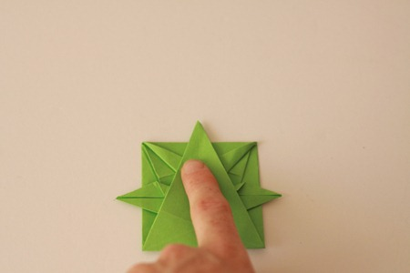 Origami Wreath Tutorial (1)