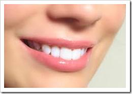cara memerahkan bibir secara alami tanpa efek samping