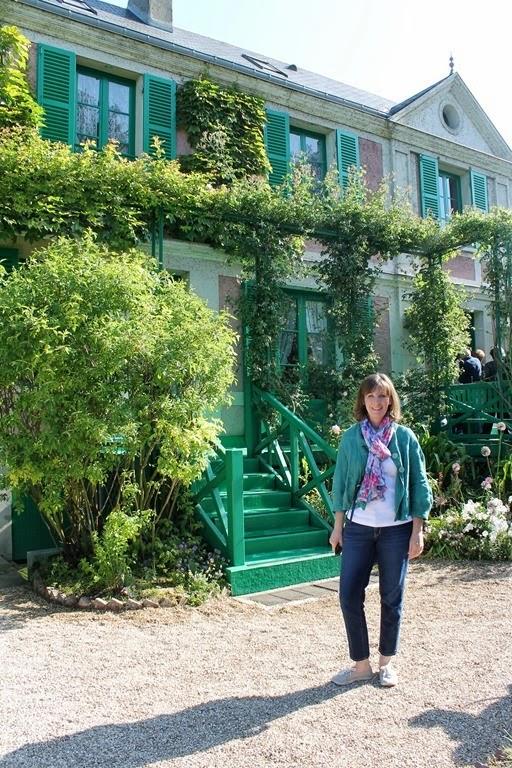 Monet's Garden 025-001
