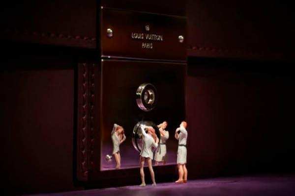 Louis-Vuitton-Loja-Cenas-Miniatura-04