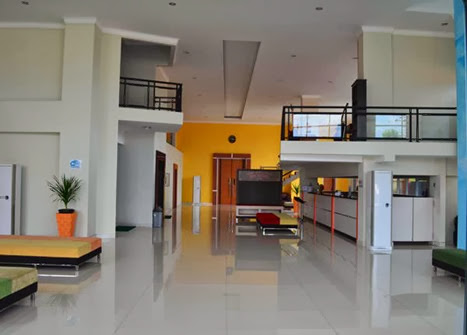 edu-hostel_-lobby