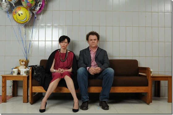 we-need-to-talk-about-kevin-movie-image-tilda-swinton-john-c-reilly-01