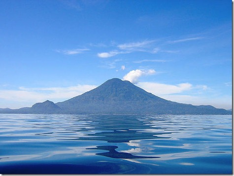 Lake-Atitlan-in-Guatemala_Unreal-landcape_4745