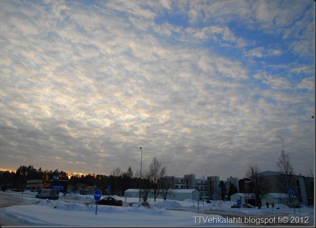talvipäivä seisauksen jäkeinen aamu päivä 025
