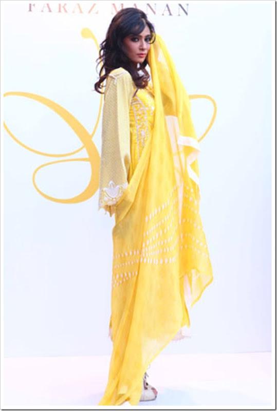 Crescent-Summer-Lawn-By-Faraz-Manaan-In-Karachi-Fashion-Show-2012-3