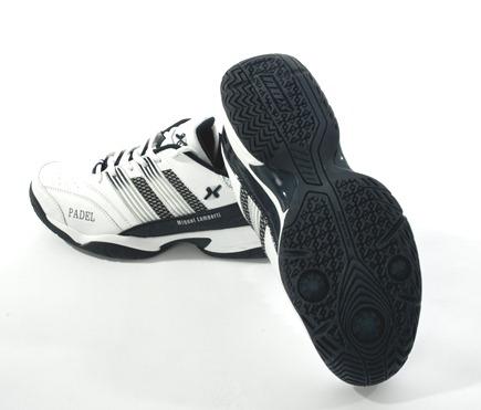 Miguel Lamperti ya tiene su propia zapatilla de pádel: NOX lanza al mercado el calzado ML.