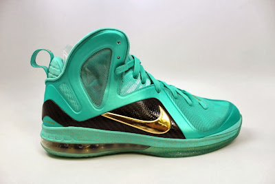 nike lebron 9 ps elite statue of liberty pe 4 06 It Takes $12,900 To Own Two Pairs of Rare LeBron 9 PS Elite PEs