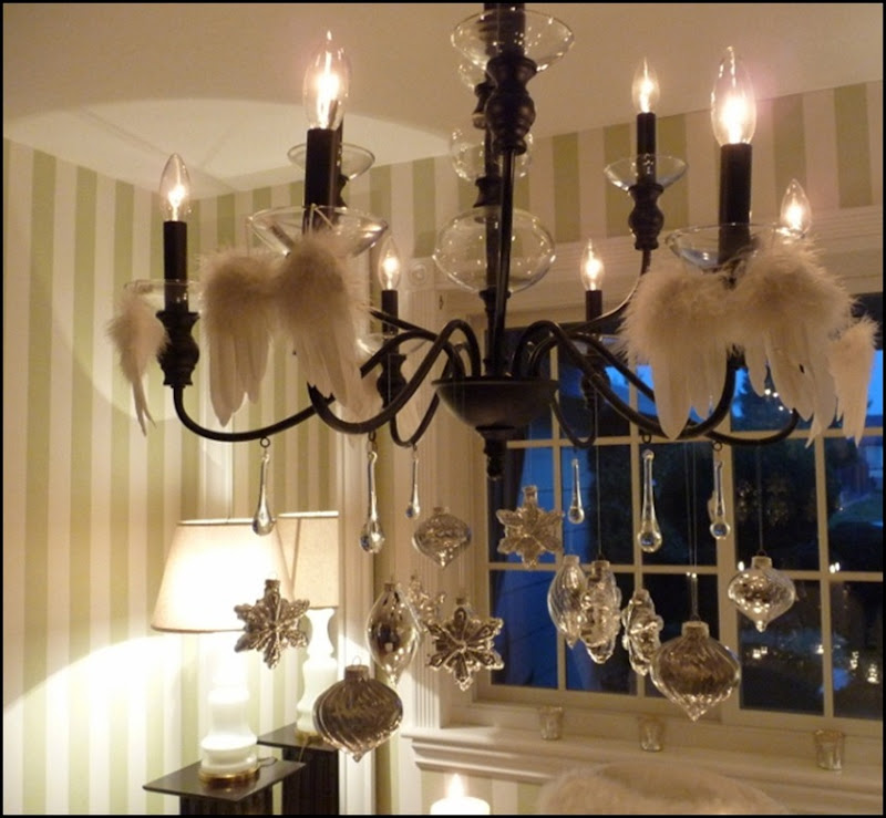 Christmas dining room 2011 angel wings 030 (800x600)