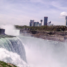 Niagara falls by Ram Ramkumar - Novices Only Landscapes ( waterfalls, nature, niagara falls, landscape waterfalls, niagara, landscape, nature waterfalls,  )