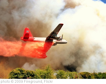 'Air Tanker 11 saving lives & structures during the Station Fire in LA County, CA #CAFire' photo (c) 2009, Fireground - license: http://creativecommons.org/licenses/by-nd/2.0/