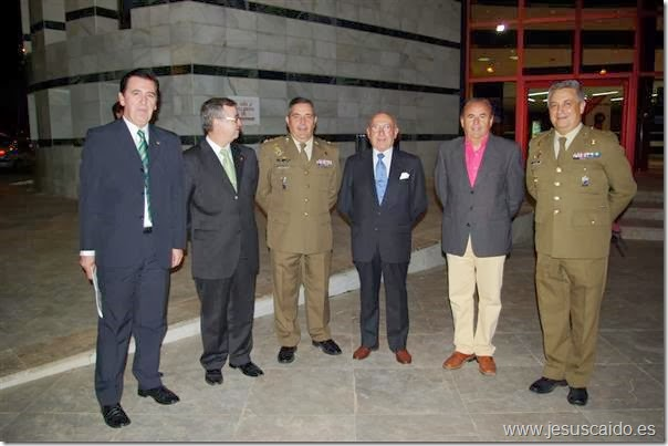 El General Gamazo (centro) en una de sus últimas visitas a Valdepeñas