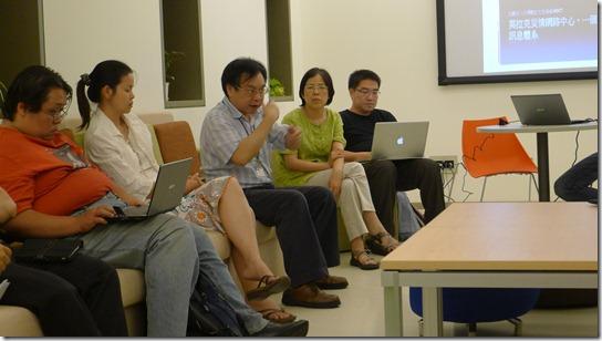 網路與救災:非營利組織與公民觀點 (11)