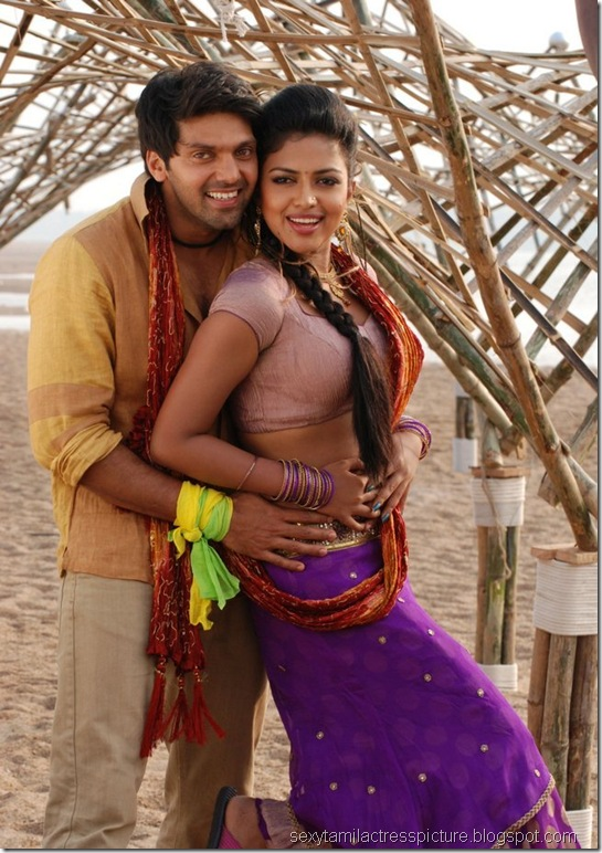 amala-paul-and-arya-dance-images-vattai-04