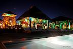 Una espectacular puesta de luces y sonidos magnificó la natural escenografía del club house. Gentileza: Feedback.