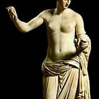 42.- Praxíteles. Afrodita de Arles.