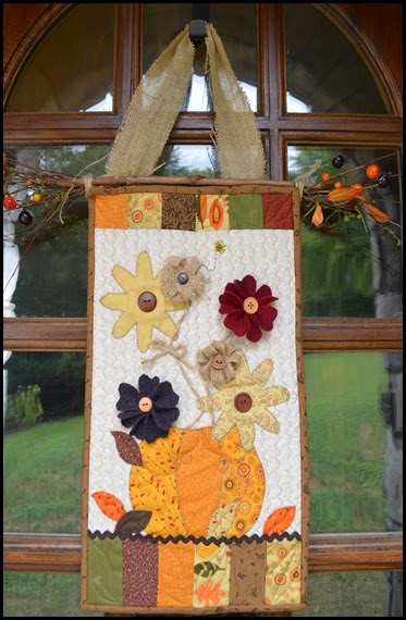fall_door_hanging_closeup
