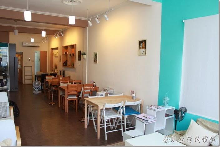 台南-Season_Cafe。二樓的大致環境。