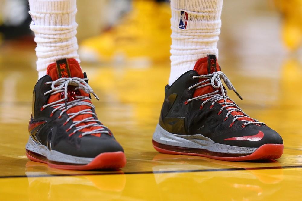 Closer Look at Nike LeBron X PS Elite BlackGreyRed PE