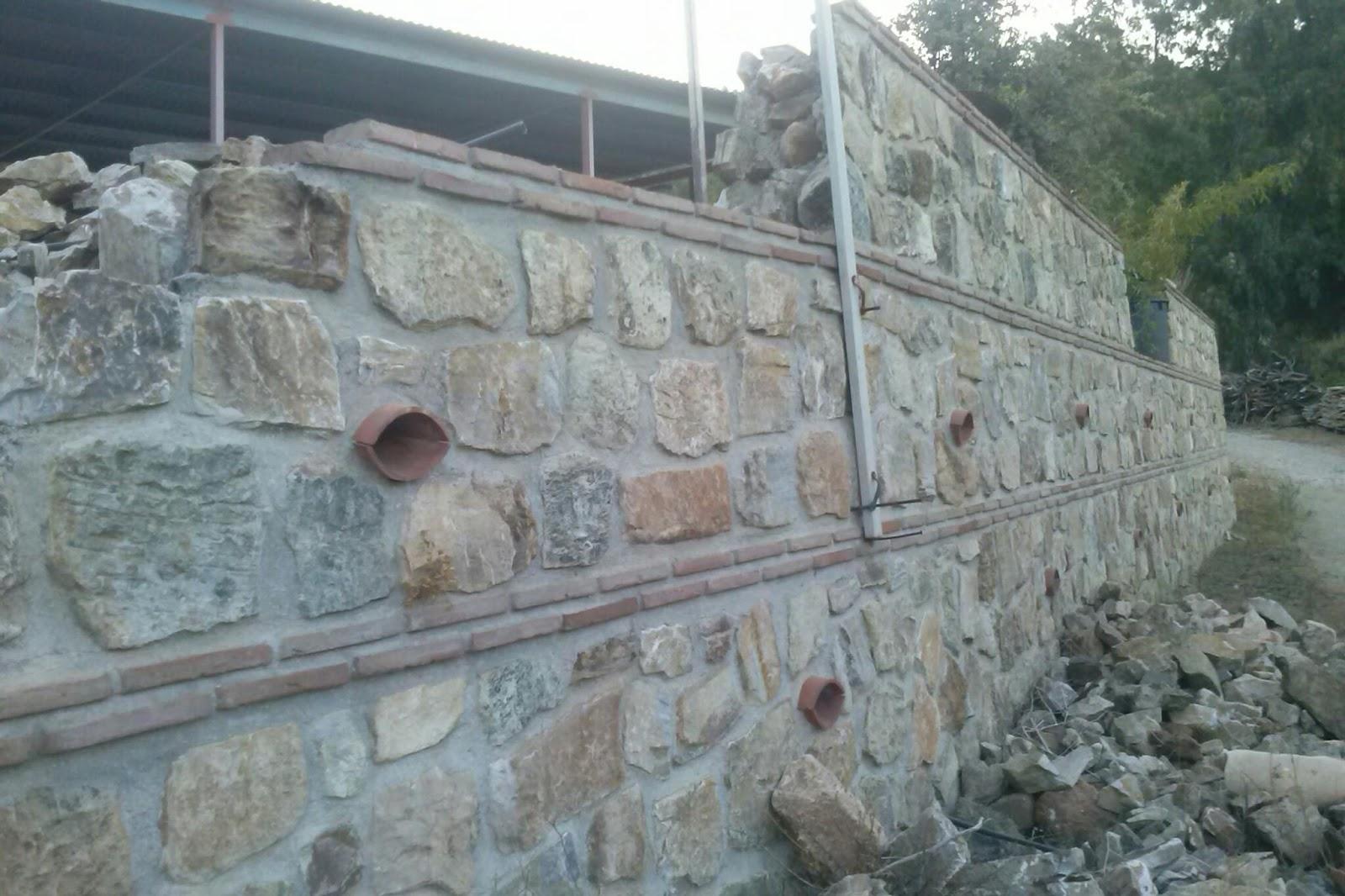 Artesanos de la construcci n muros de piedra - Piedras para construccion ...