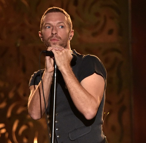 chris martin beck grammys 2015-1