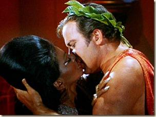 Uhura-Kirk-Kiss