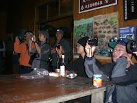 Fent fotos a l'actuació Taking pictures of the performance