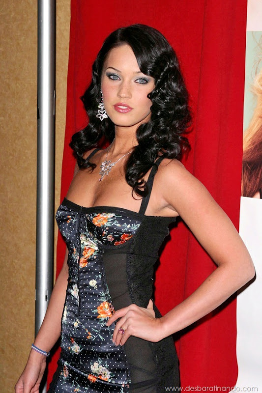 "©2004 ARIEL RAMEREZ / HUTCHINS PHOTO ""CONFESSIONS OF A TEENAGE DRAMA QUEEN PREMIERE"" NEW YORK CITY, NEW YORK FEBRUARY 17, 2004  MEGAN FOX"