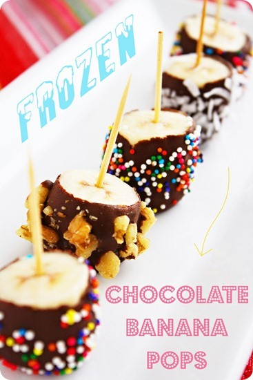Frozen Chocolate Banana Pops – Swirl in melted chocolate and cover with your favorite toppings! Kids + adults love this easy, healthy treat! | thecomfortofcooking.com