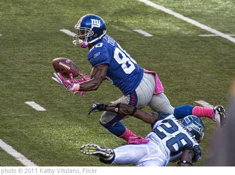 'Victor Cruz makes the catch' photo (c) 2011, Kathy Vitulano - license: http://creativecommons.org/licenses/by-nd/2.0/