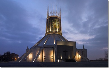800px-Liverpool_Metropolitan_Cathedral_at_dusk_(reduced_grain),_corrected_perspective