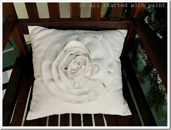 rosette large pillow (550x413) (2)