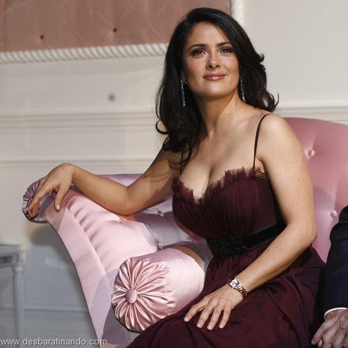 salma hayek linda sensual sexy sedutora gostosa peituda boob tits desbaratinando  (5)