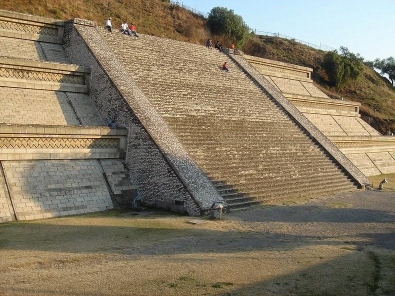 pyramid-cholula-1