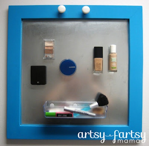 46 magnet makeup holder