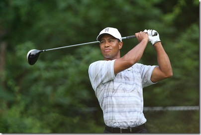 800px-Tiger_Woods_drives_by_Allison