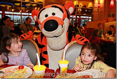 Disney Cafe Mickey Dinner 9