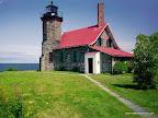 Я хотела бы быть смотрителем маяка.  Как манит свет летящего мотылька.одинокие и гордые, посреди бушующей стихии...
